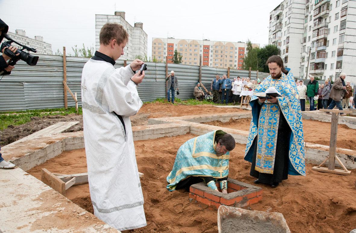 http://kievskiyhram.ru/image/zakladka1.jpg